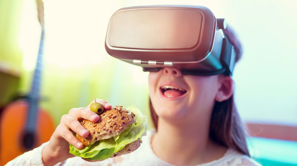 Virtual Reality Pop-up Restaurant Is The Future Of Dinner Theatre