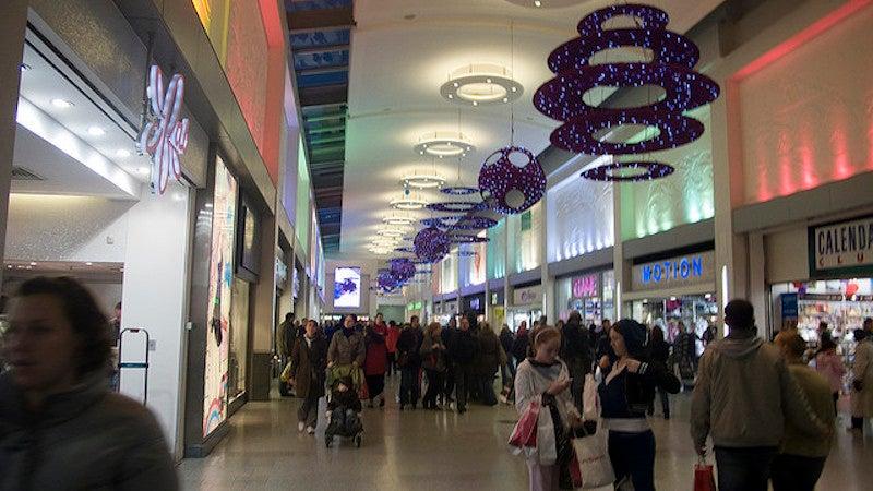 Avoid Christmas Overspending By Taking Fewer Shopping Trips