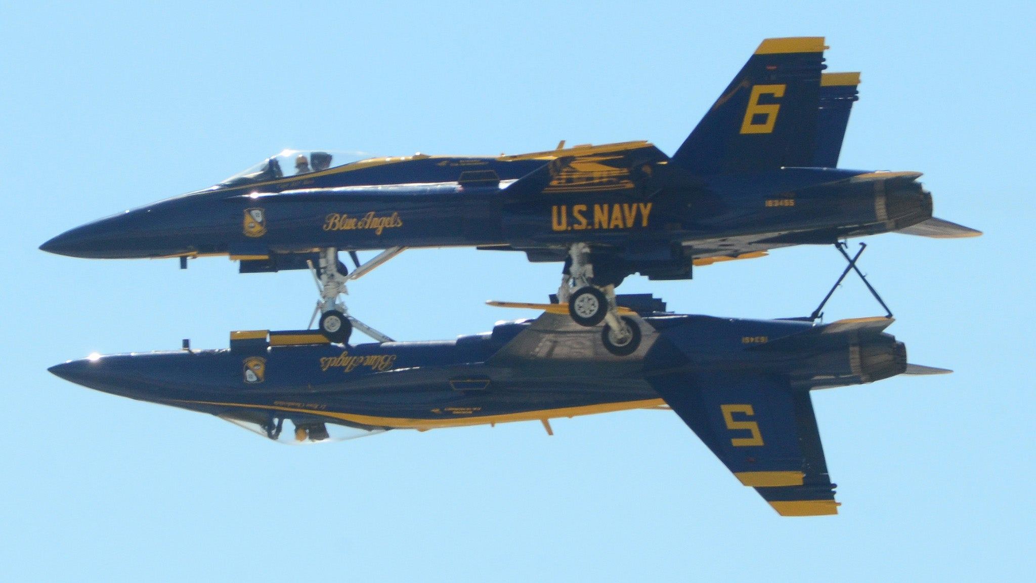 This Blue Angels Stunt Looks So Insanely Dangerous