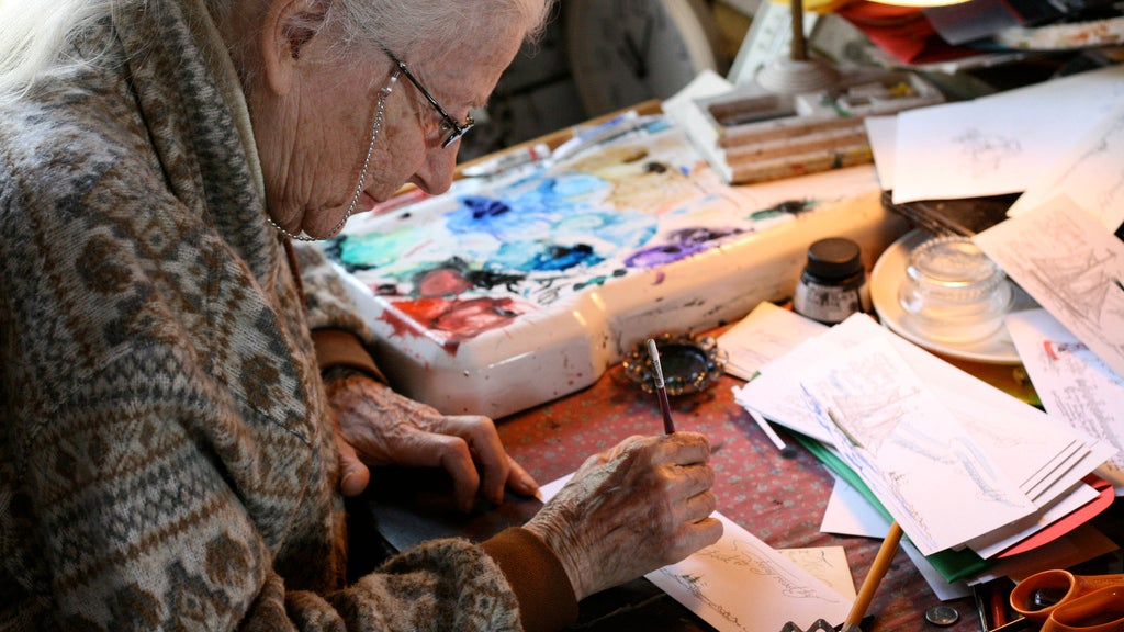 Curb Your Shopping Habit By Focusing Your Energy On Creating Hobbies