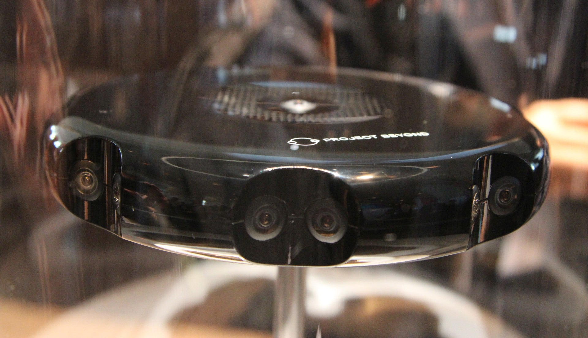 Samsung Project Beyond: A 360° Camera For Streaming Virtual Reality