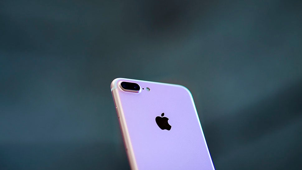 The Mystery Of The Hissing iPhone 7