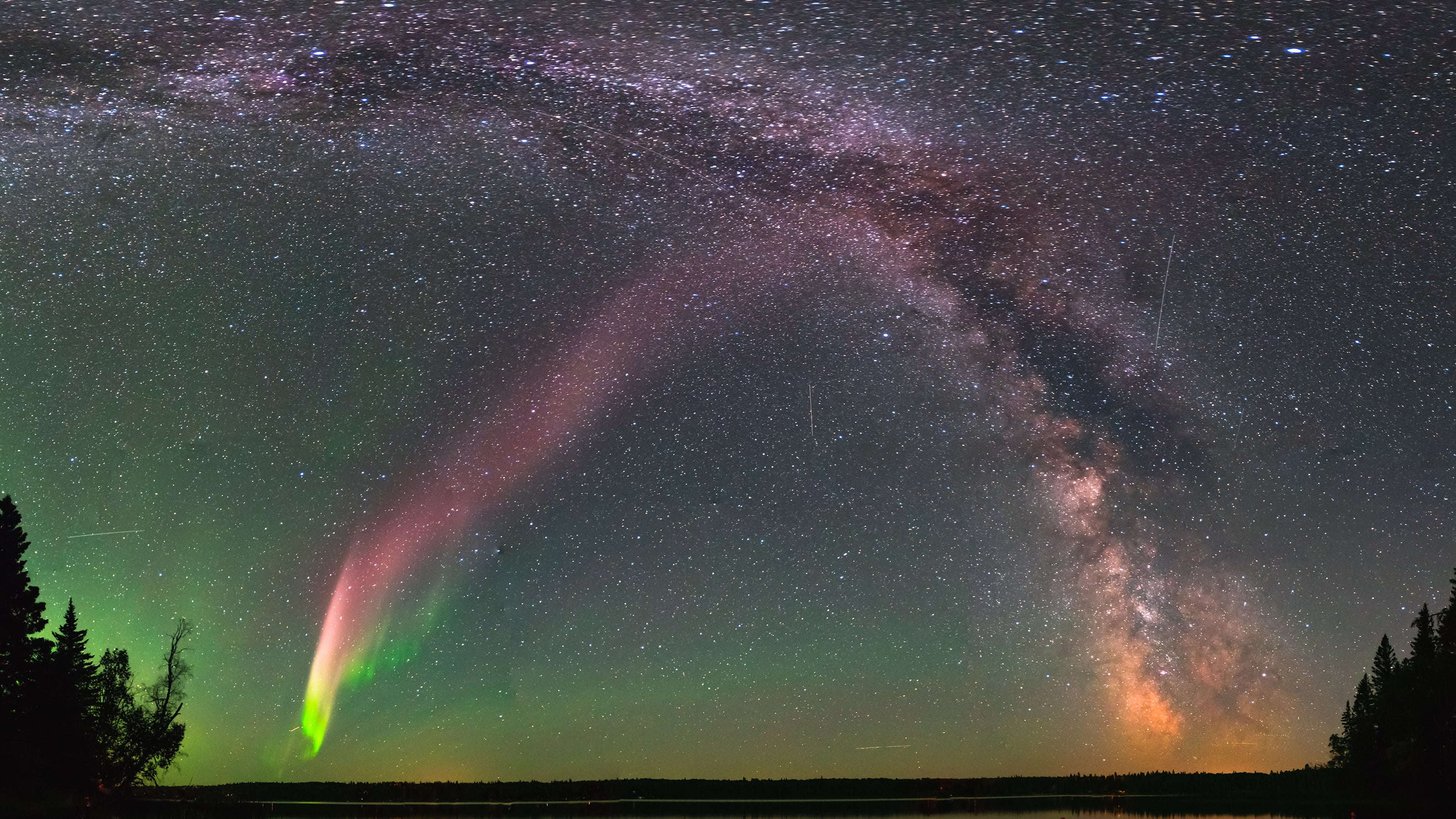 Citizen Scientists Discover New Feature Of The Aurora Borealis