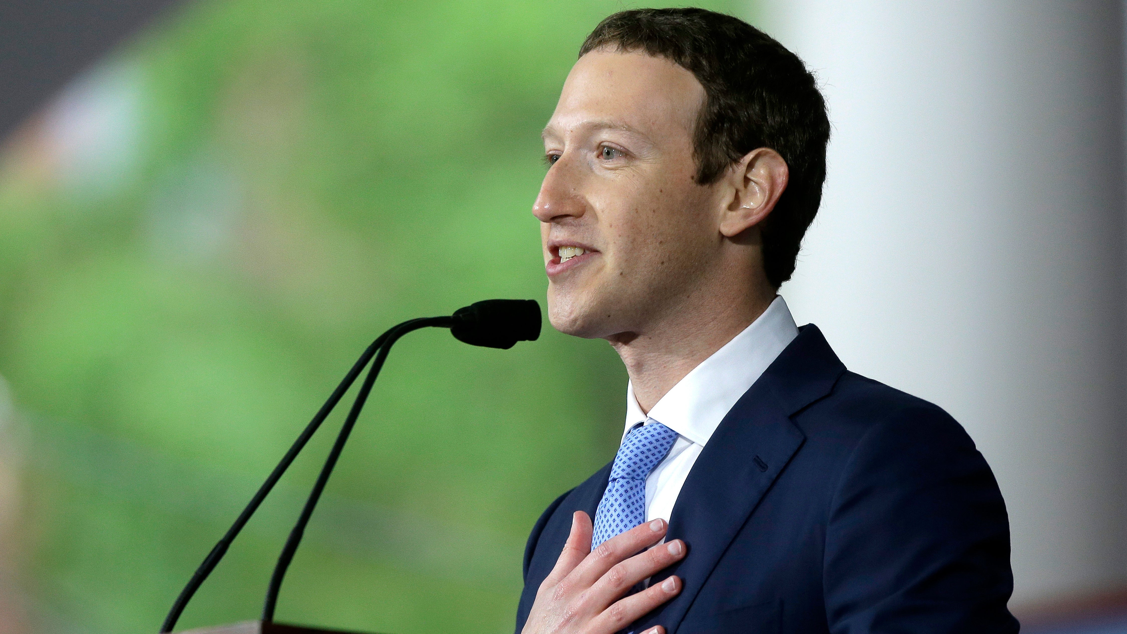 Zuckerberg's Full-Page Newspaper Ads On Facebook Data Scandal: 'We Expect There Are Others'