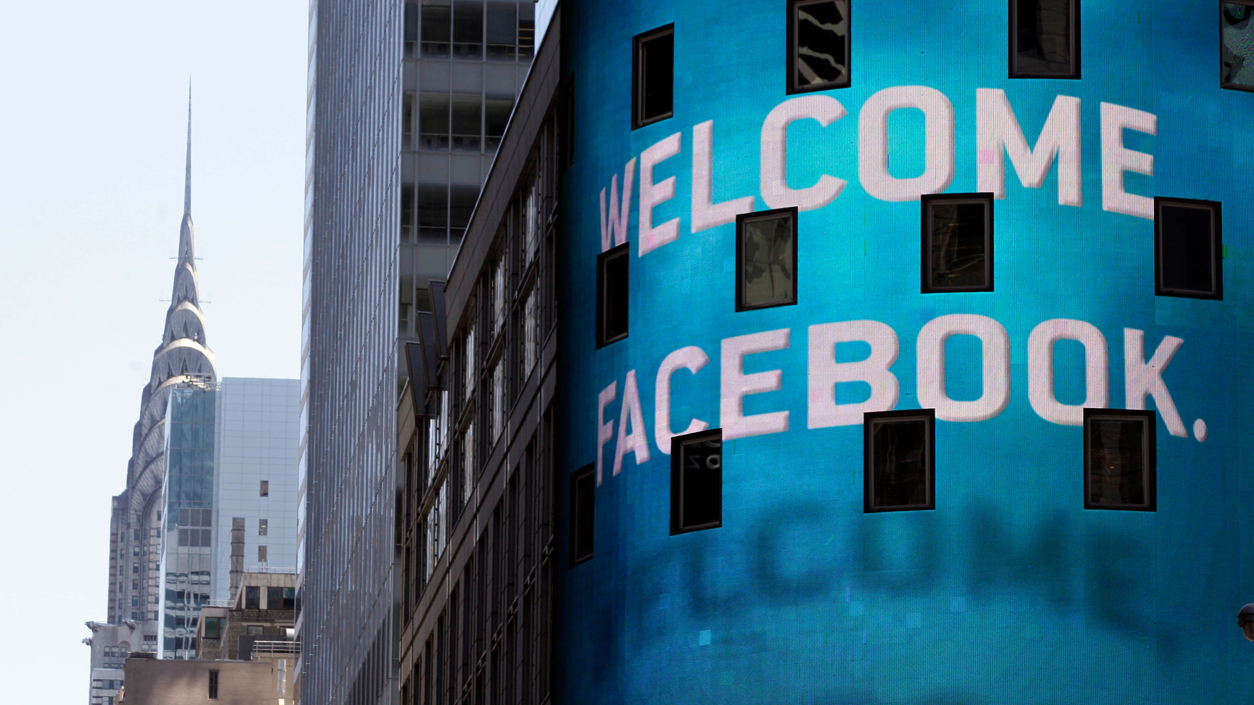 No, Facebook Didn't Remove The Ability To Delete Posts – But It Did Hide It From Some Users
