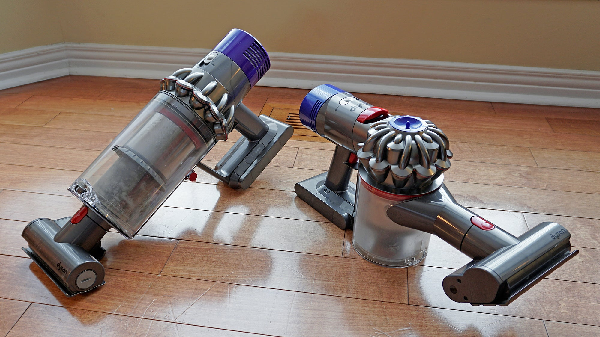 dyson 39 s pricey cordless vac is so good it 39 s killing cords. Black Bedroom Furniture Sets. Home Design Ideas