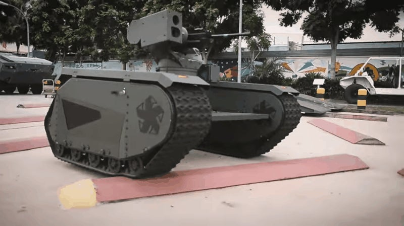 Shape-Shifting Mini Tank Transforms Into an Infinite Number of Vehicles