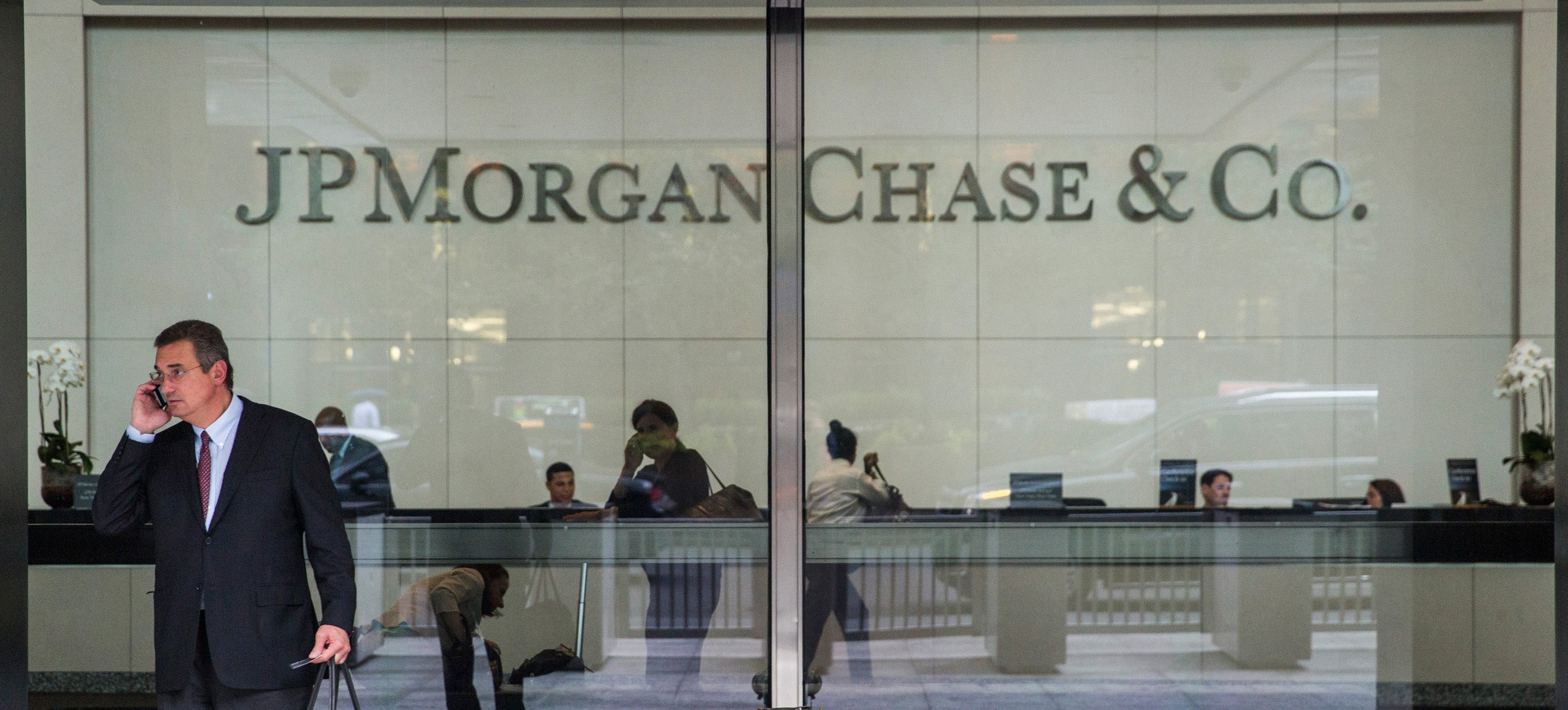 Hackers Roamed Around JPMorgan Chase's Financial Records For Two Months
