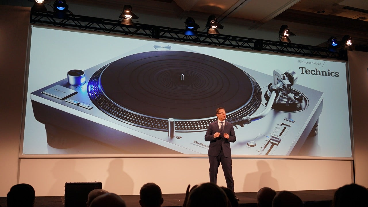 Technics' New Cheaper Turntable Is Still Ridiculously Expensive