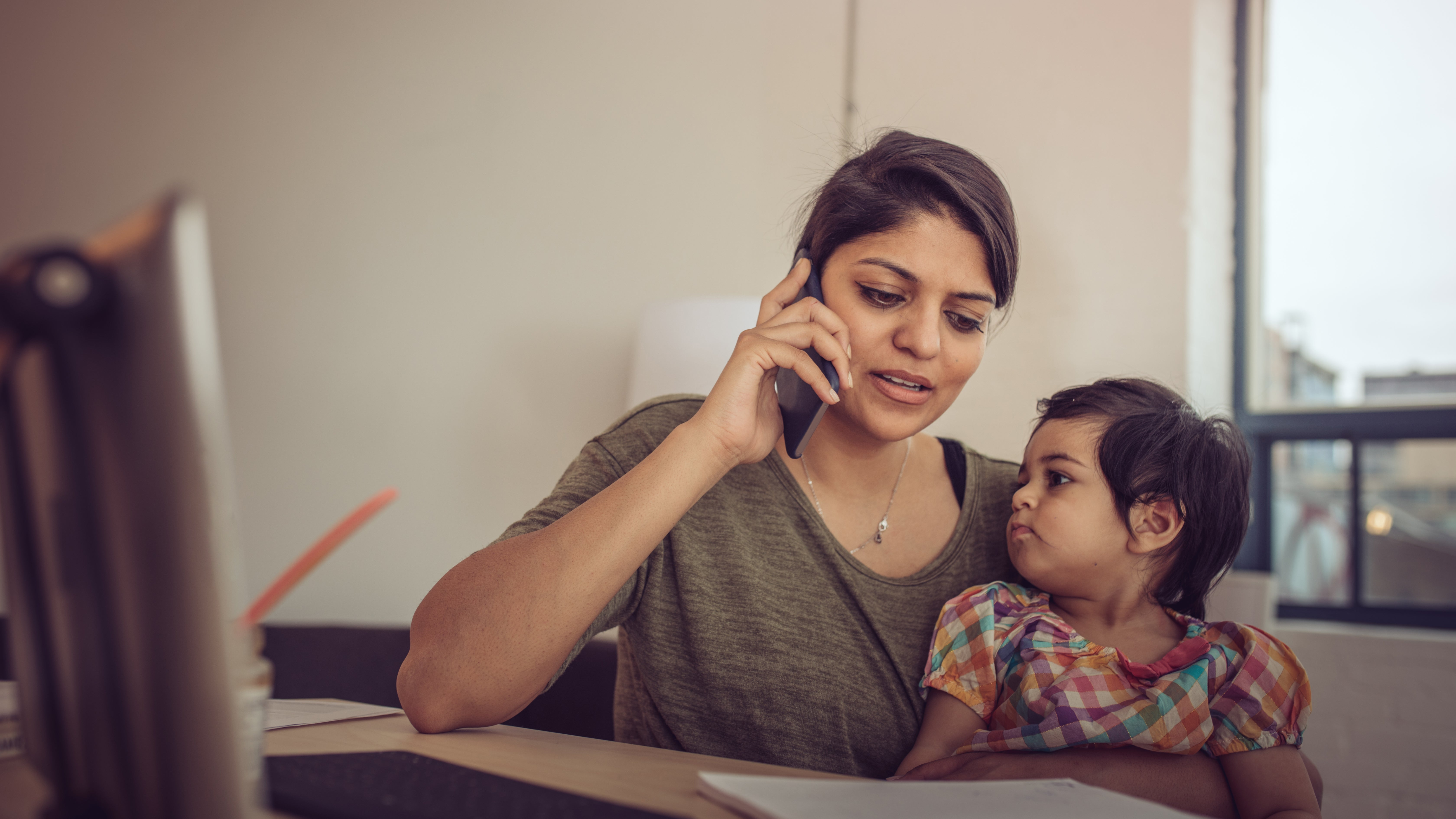 Disclose That Your Kid Is With You When You Start A Phone Meeting
