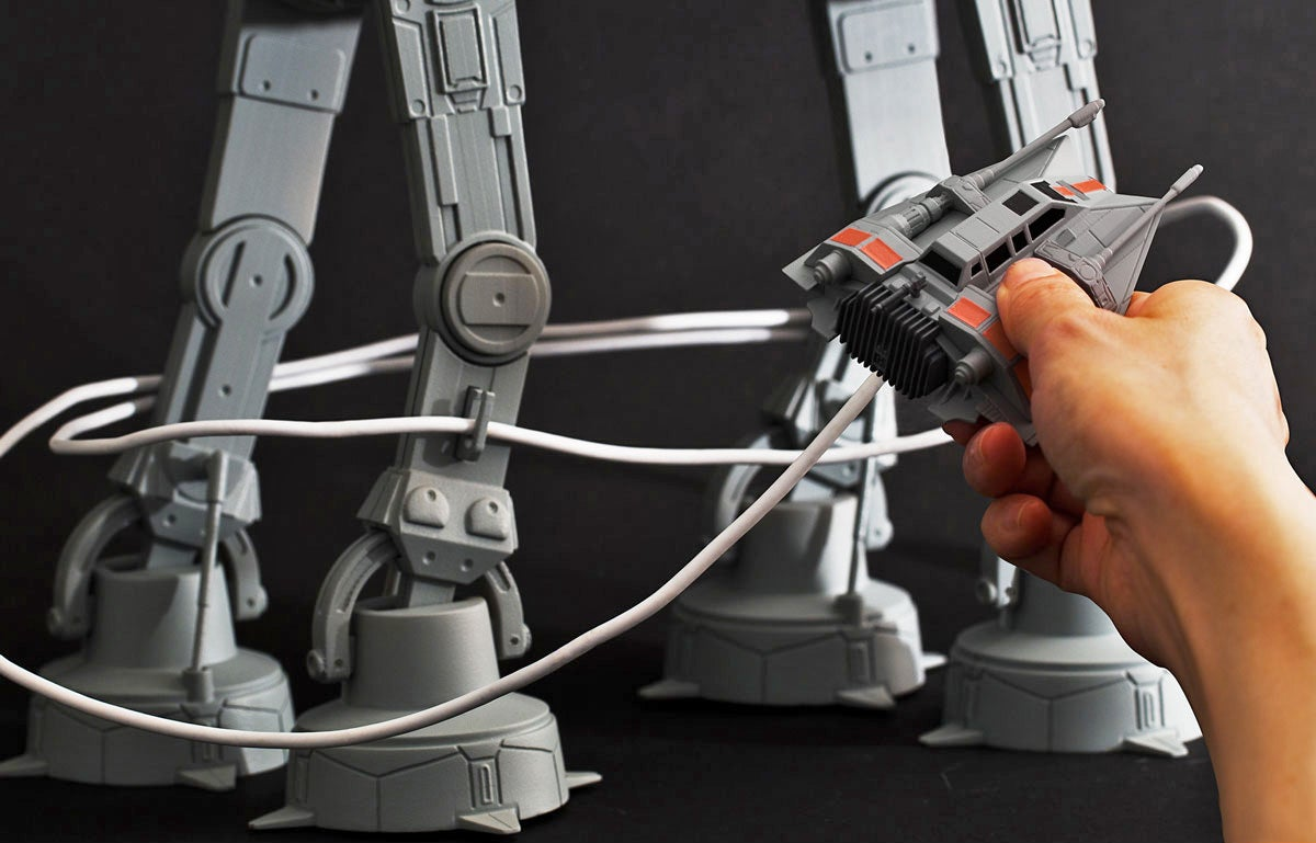 Star Wars AT-AT Organiser Wrangles Your Charging Cables in the Most Clever Way Possible