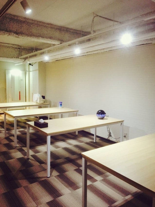 No Guys Allowed at New Geek Cafe in Japan