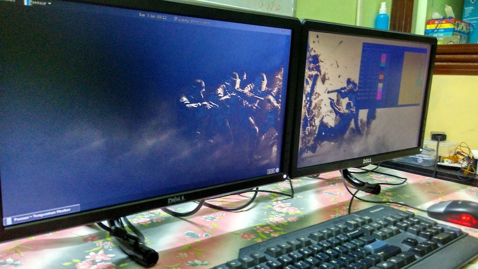 This $US10 ($15) DIY Dual Monitor Stand Isn't Fancy, but Definitely Saves Space