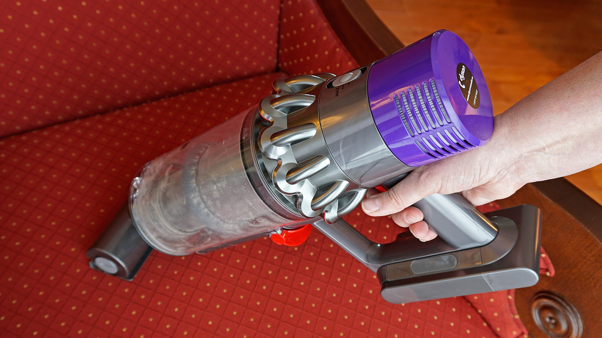 Dyson S Pricey Cordless Vac Is So Good It S Killing Cords