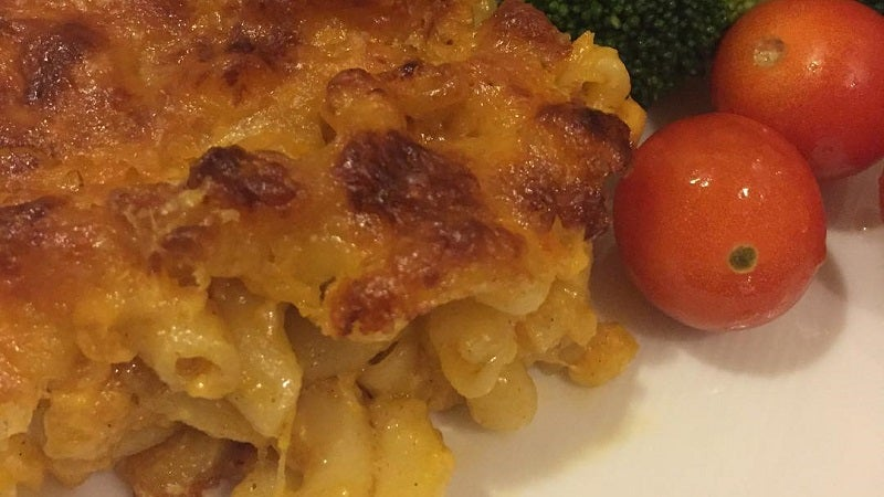 Make Perfectly Crispy Baked Mac And Cheese With A Cookie Sheet