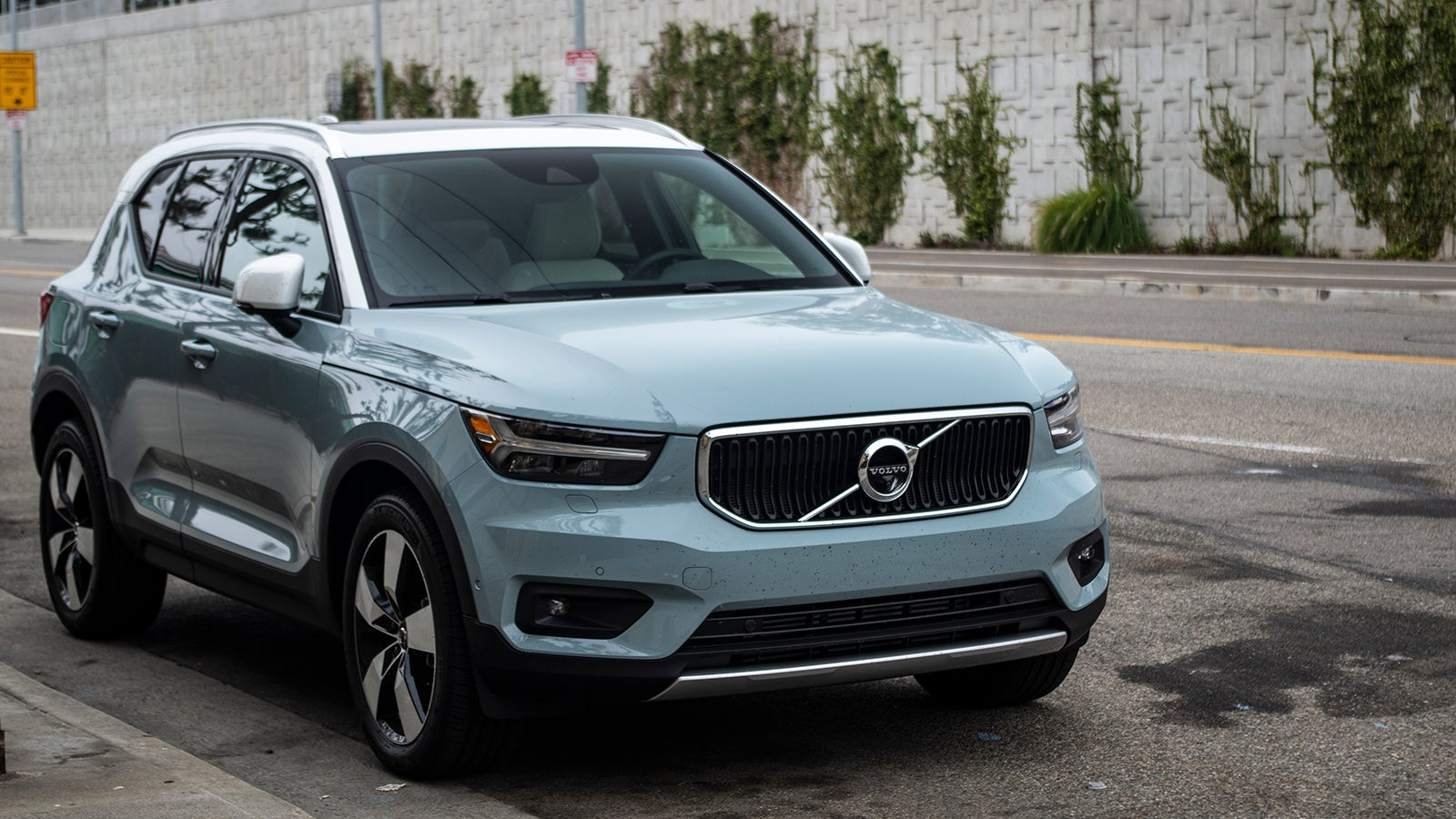 The 2018 Volvo XC40 Is Extremely Elegant And A Little