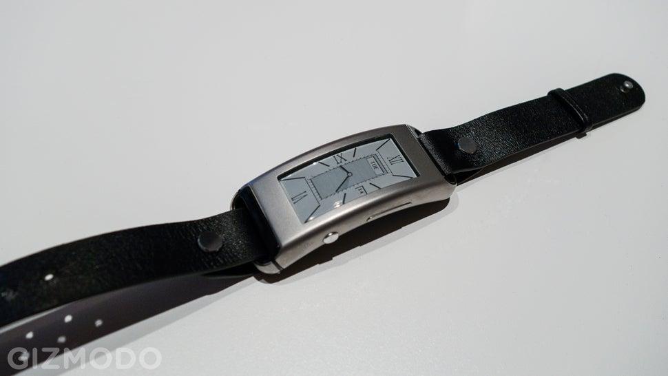Can Lenovo's E-Ink Smartband Out-Pebble the Pebble?