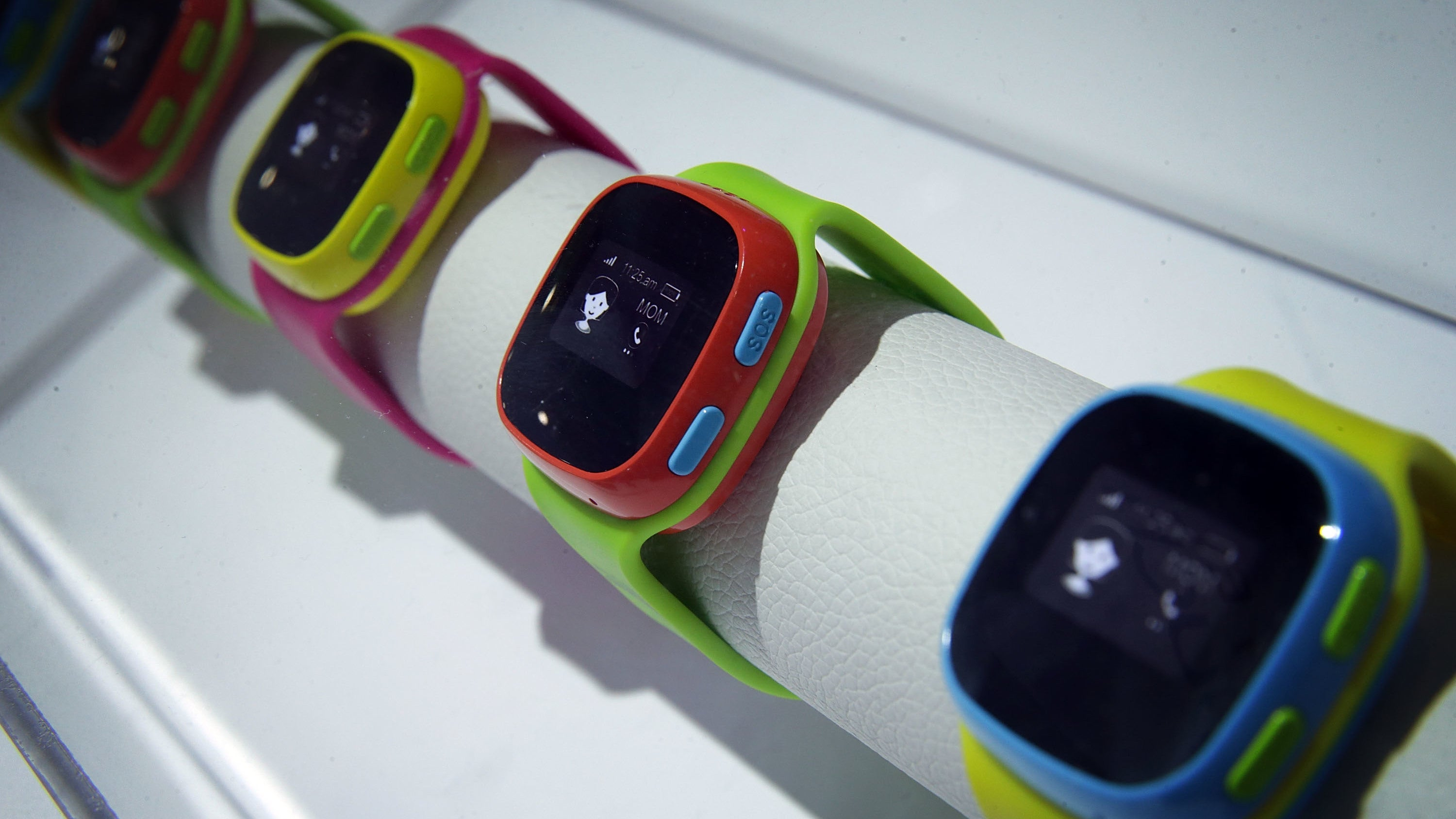 Germany issues ban on children's smartwatches, urges parents to destroy them