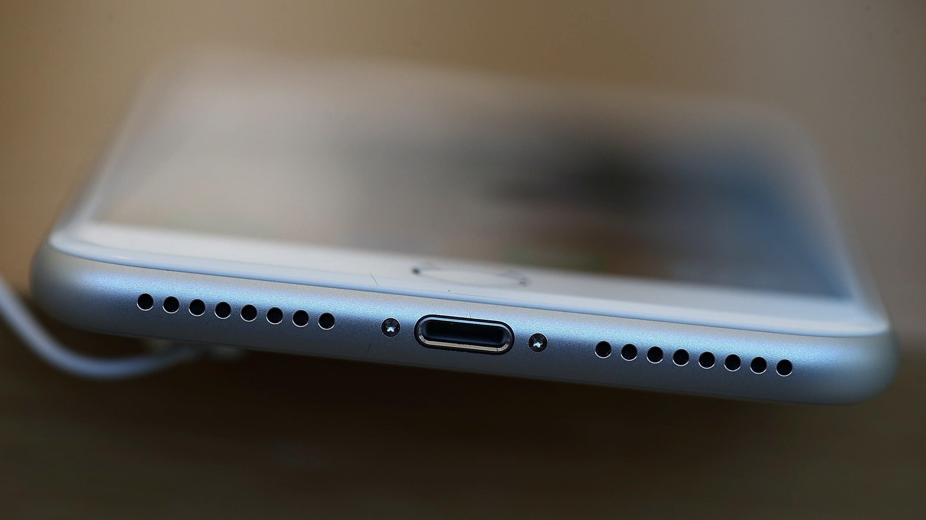 Fake Lightning Cables That Can Hijack Connected Devices Are Heading For Mass Production