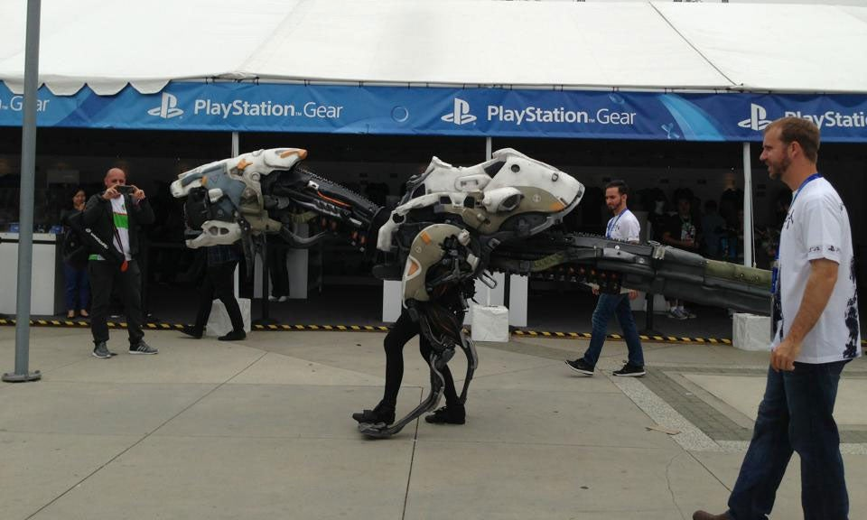 Robot Dinosaur Cosplay Was One Of The Stars Of E3