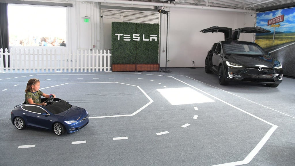 What You Should (And Shouldn't) Do Behind The Wheel Of A Tesla