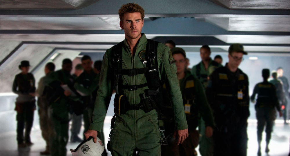 This Independence Day Infographic Links the First Film With the Sequel