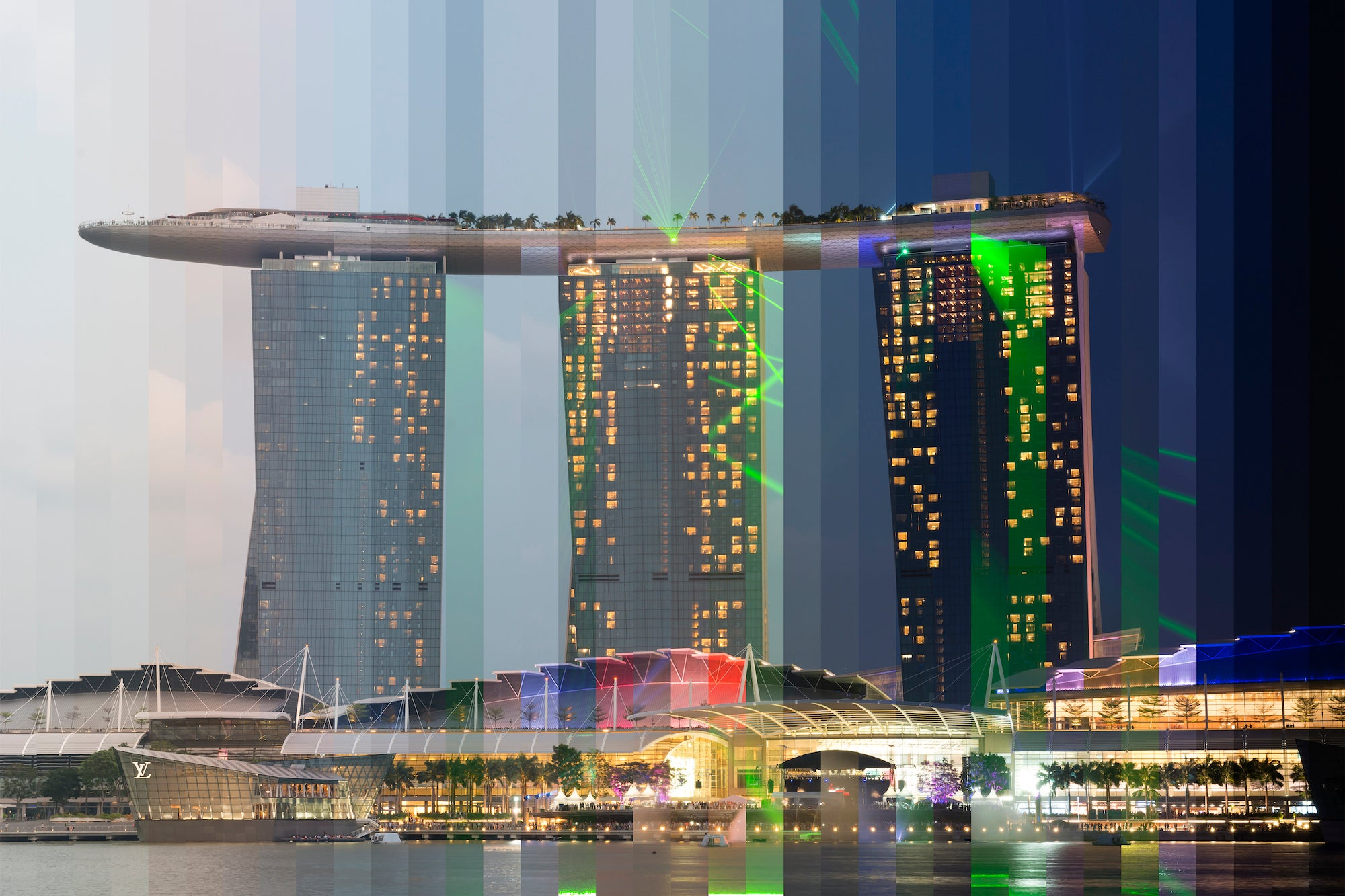 Here's what famous buildings look like from day to night in one photo