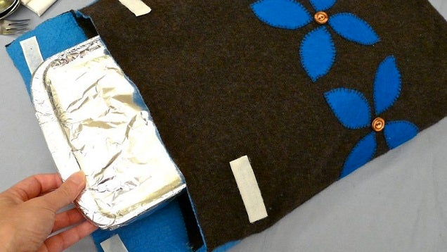 Turn An Old Jumper Into A Perfectly Insulated Food Cozy