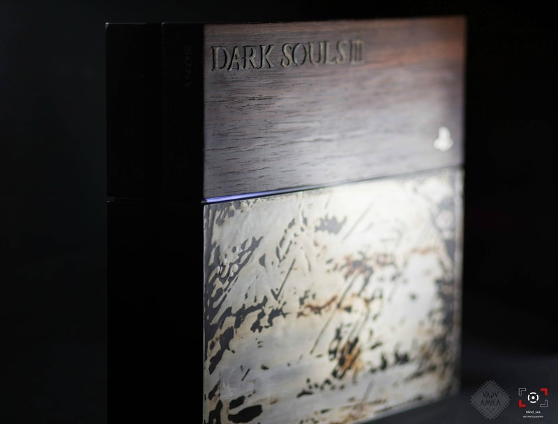 Custom Dark Souls 3 PS4 Was Crafted Using Wood and Metal