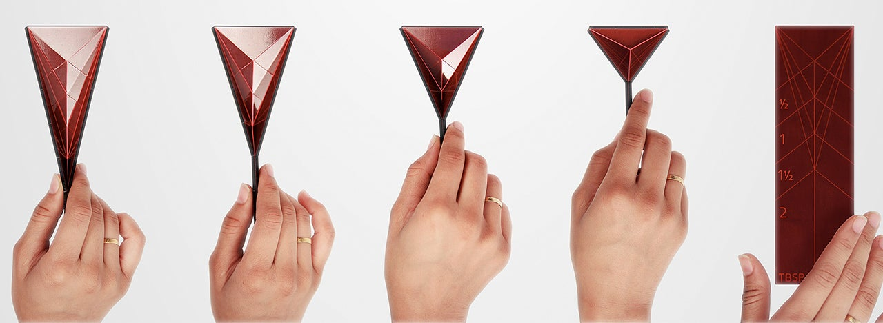 How You Fold This Origami Measuring Spoon Determines Its Capacity