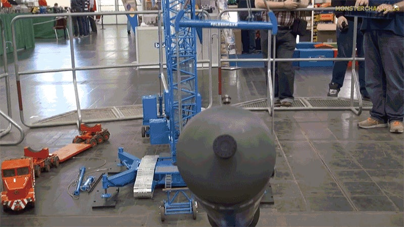 Watch This Monstrous RC Crane Lift Over 80 Pounds