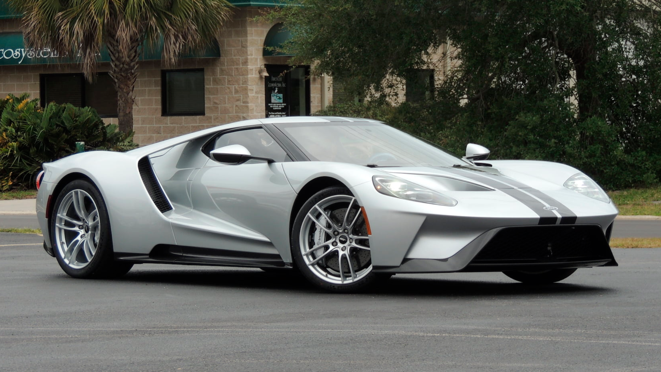 This  Ford Gt Is Mysteriously Up For Auction And Ford Has Questions