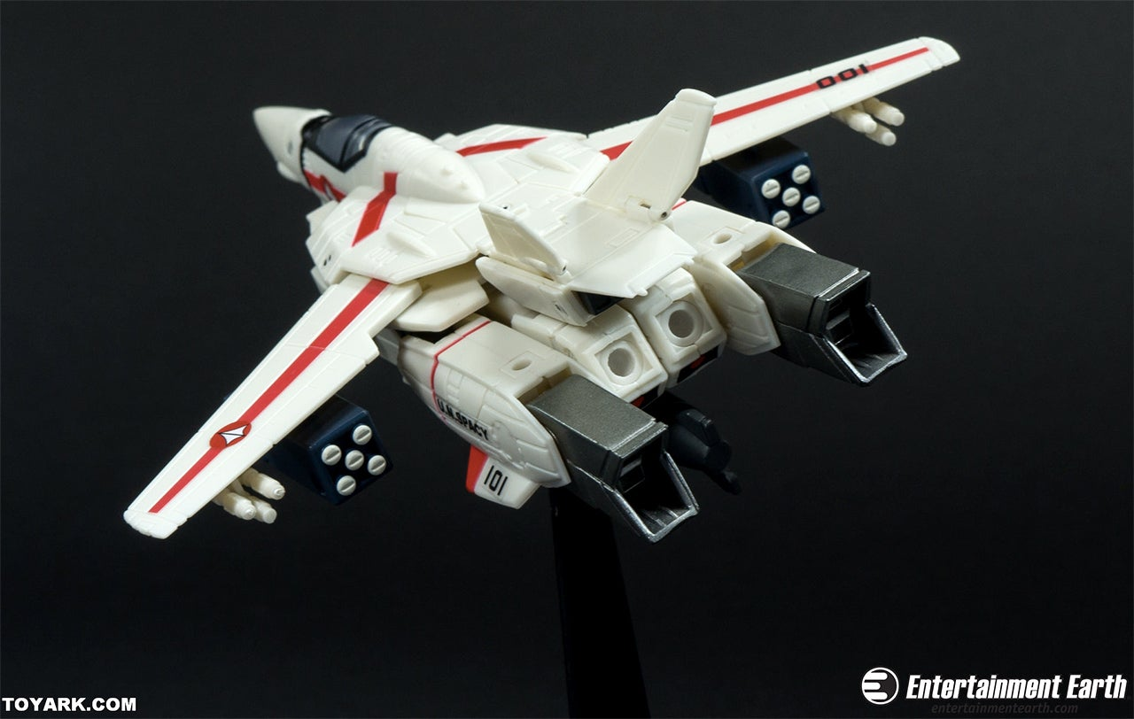 These 30th Anniversary 6-Inch Robotech Figures Are Pure Nostalgic Joy