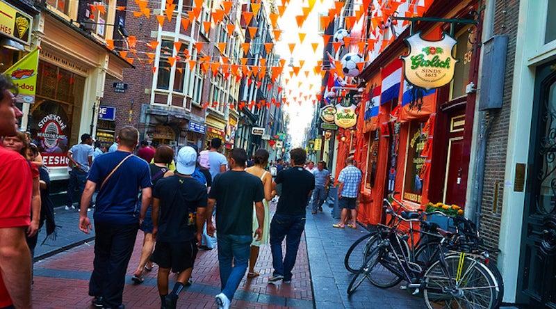 Hotspots for Pickpocketing in Nine Popular Travel Destinations