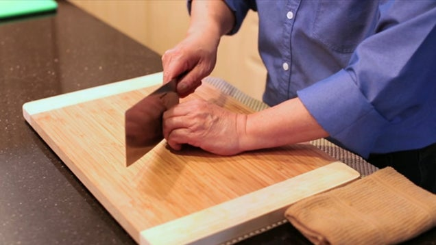The Right Way to Use a Chinese Chef's Knife