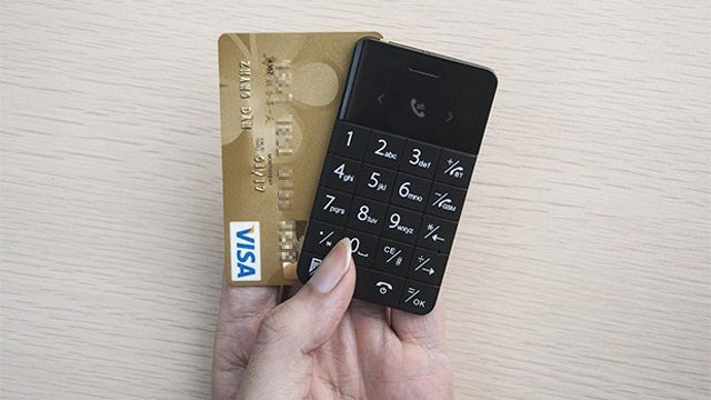 This Credit Card-Sized Mobile Phone Would Be The Ultimate Backup