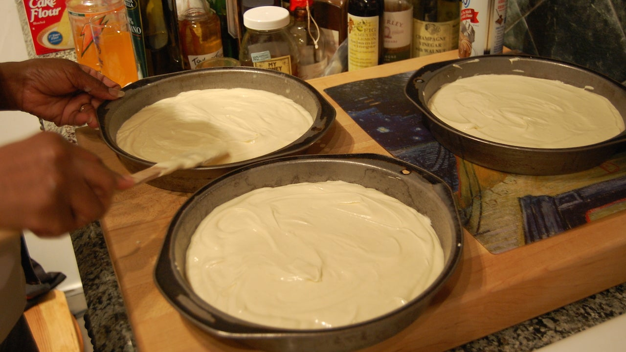 Get Equal Amounts of Batter in Cake Pans with a Toothpick
