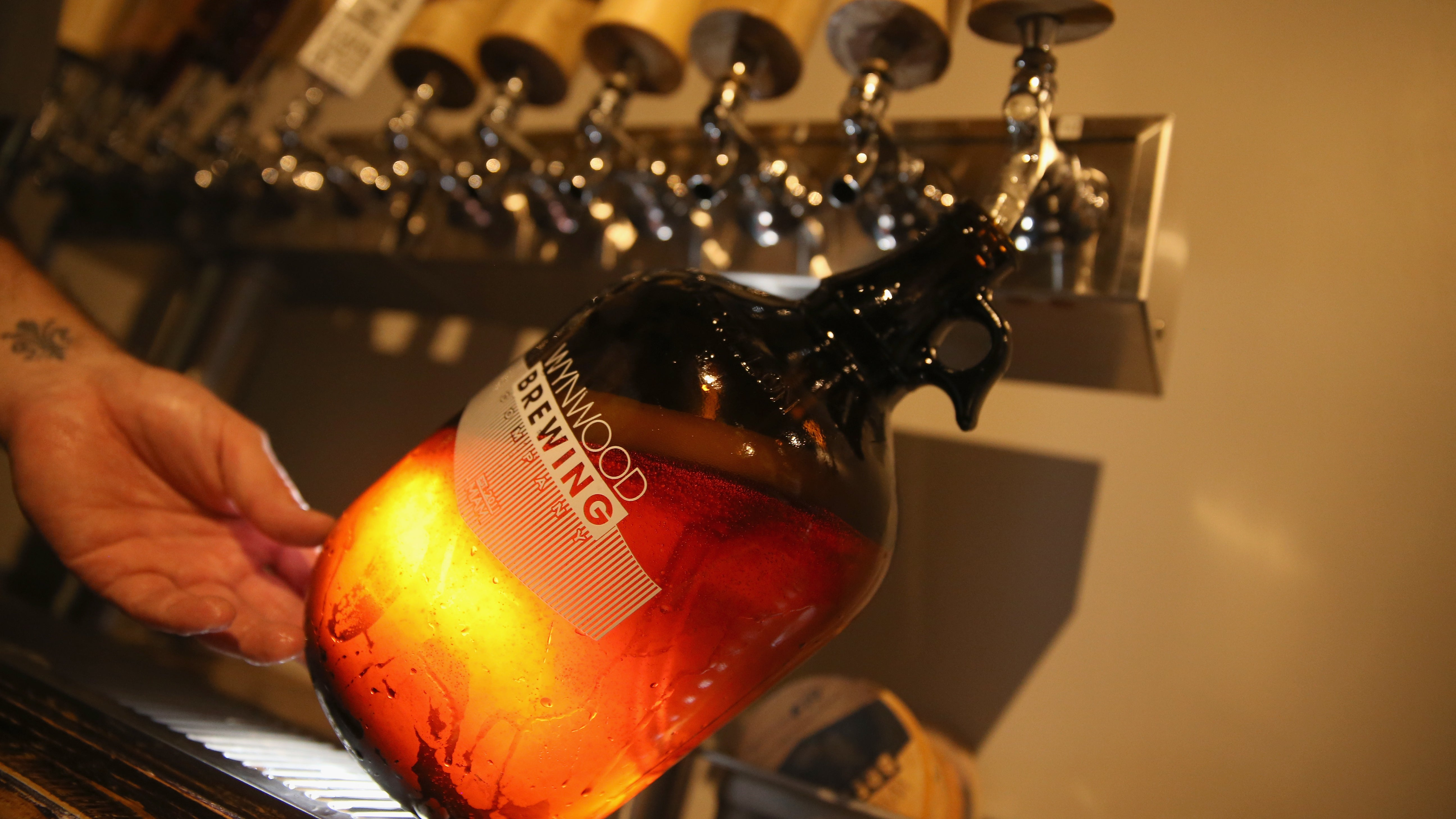 How To Clean A Beer Growler