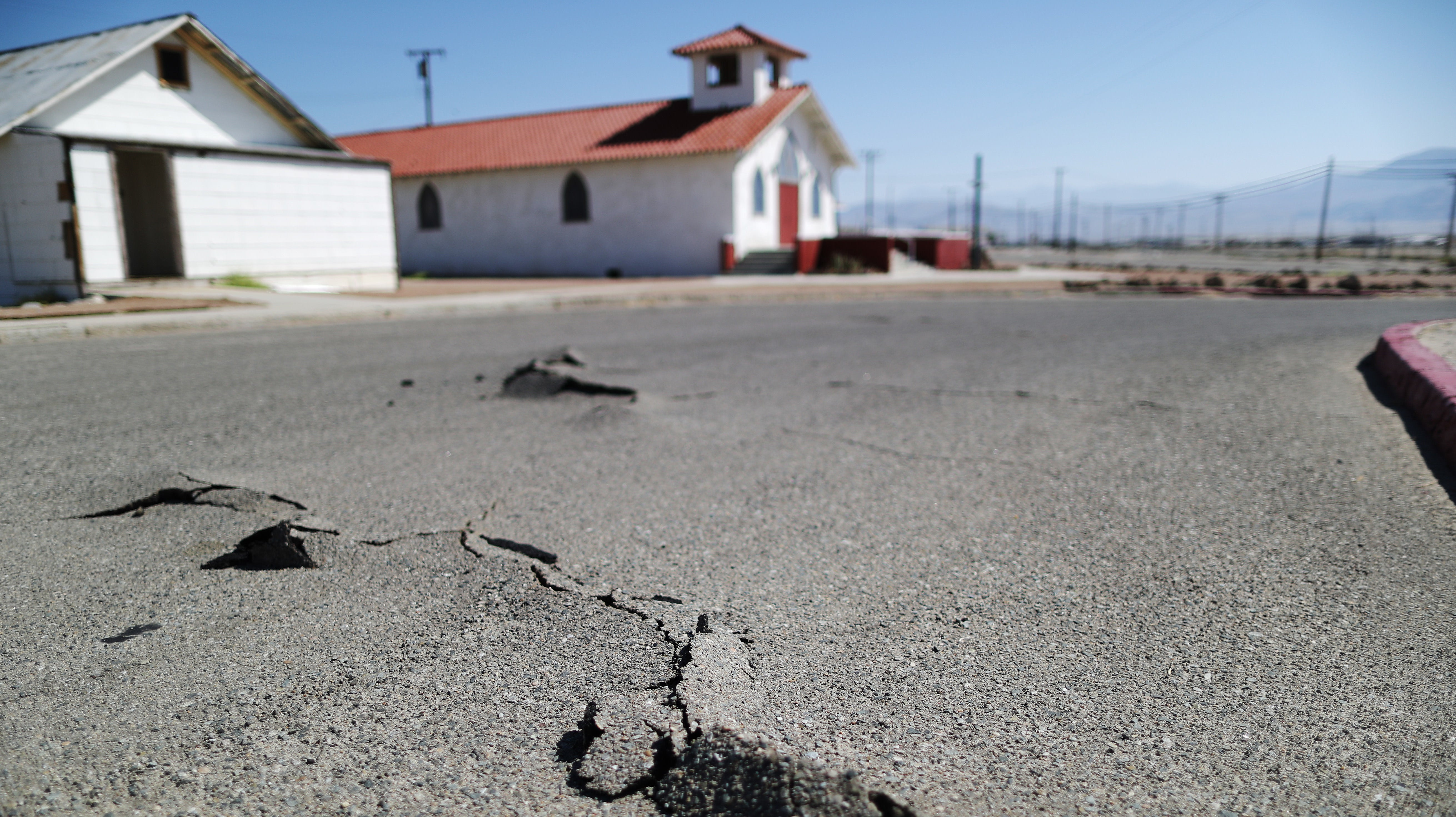 Never Been In An Earthquake? Here's What You Should Pack In An Emergency Kit