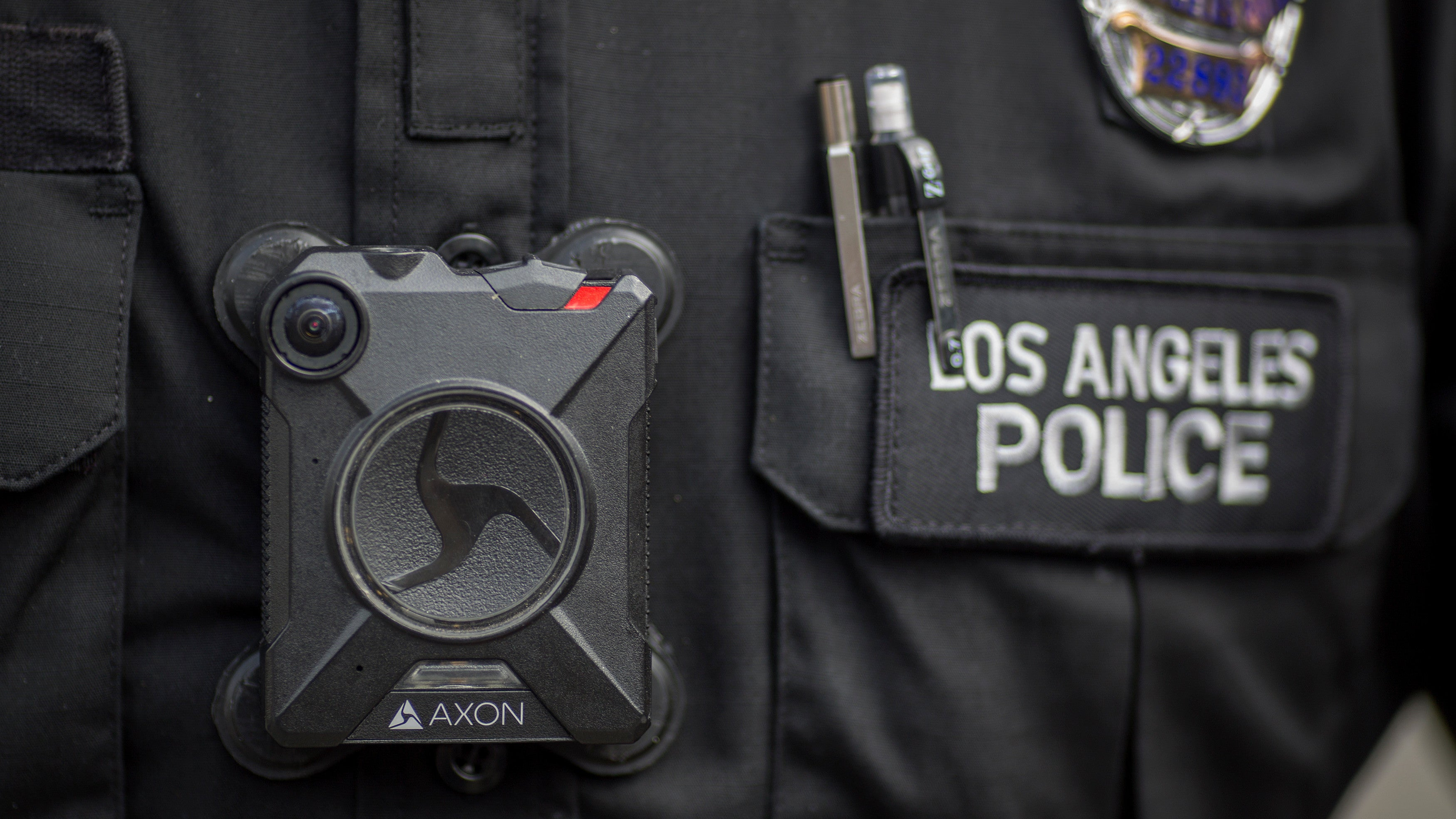 America's Biggest Police Body-Cam Manufacturer Bans Face Recognition Surveillance, For Now