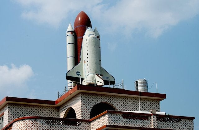 Chinese Man Builds a Space Shuttle Replica on His Roof