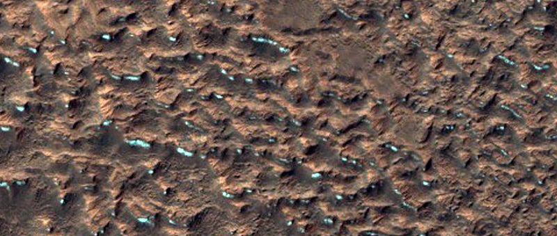 These Stunning New Photos Of Mars Are Weirdly Earth-Like