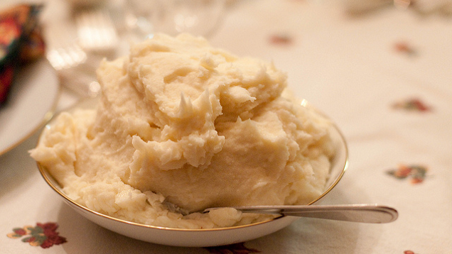 Make the Fluffiest Mashed Potatoes with Starchier Spuds