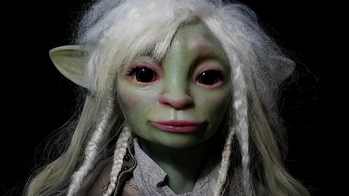 Watch As A Sculptor Perfectly Captures Deet From The Dark Crystal: Age Of Resistance