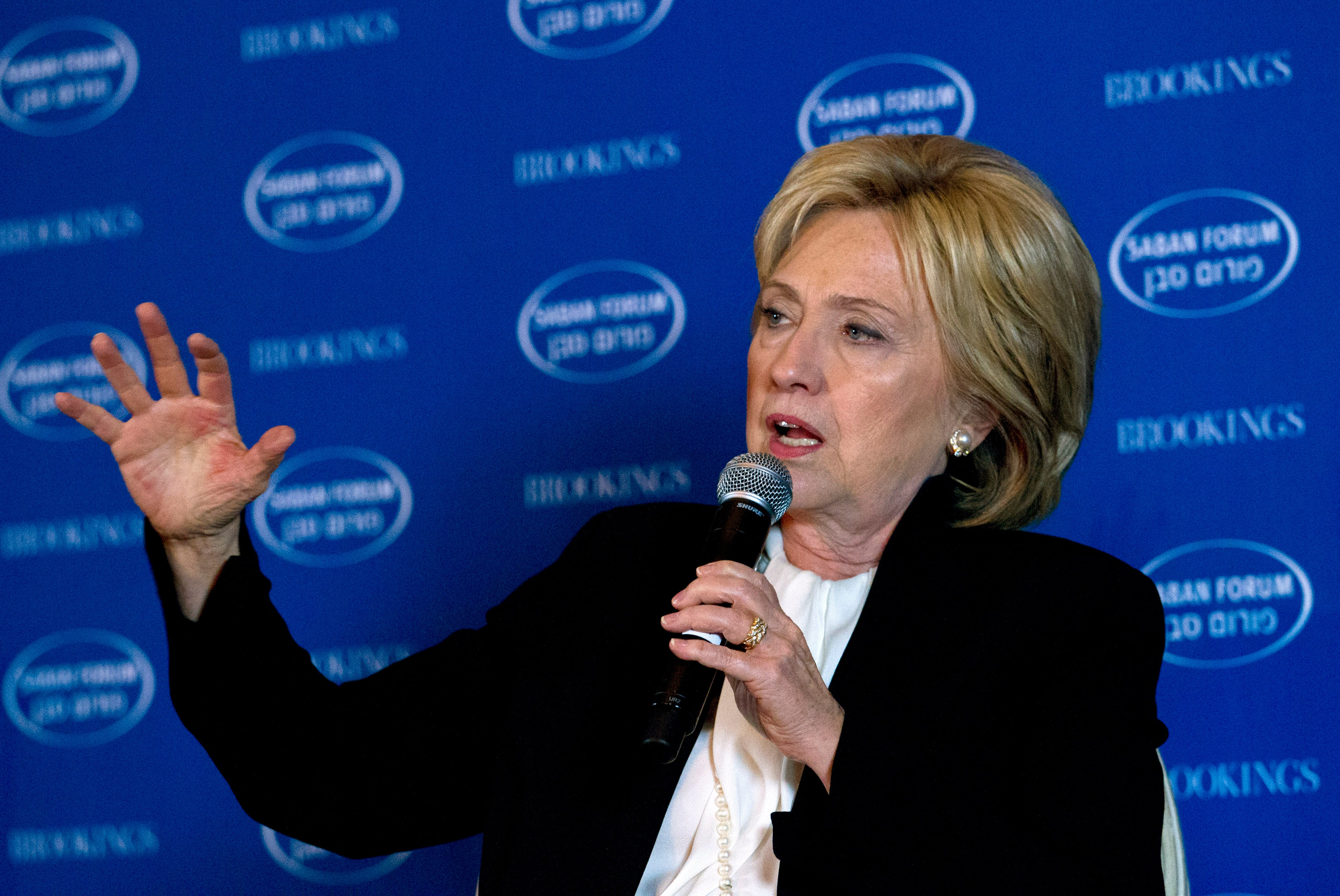 Hillary Clinton's Plea for Silicon Valley to Disrupt ISIS Is Misguided Nonsense