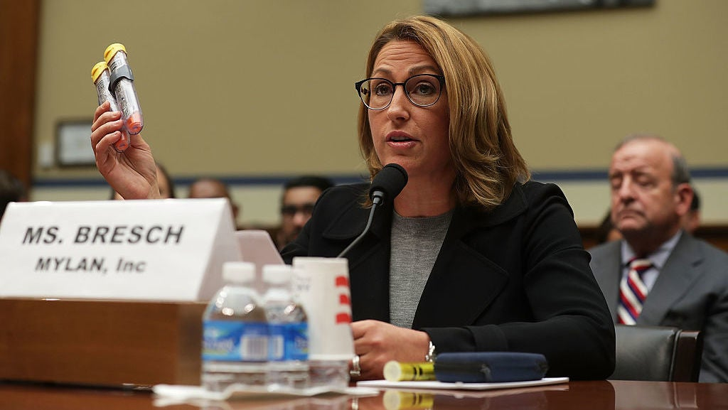 US Senator: EpiPen Manufacturer Ripped Off The US Government For $1.7 Billion