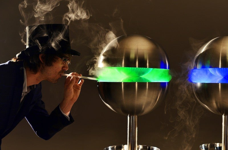 This machine produces edible mist in 200 delicious flavours