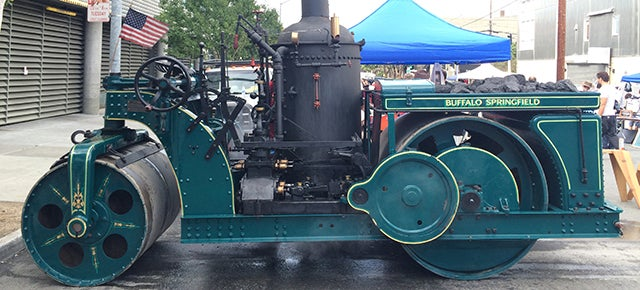 Watch a 7-Ton Steamroller Make a Letterpress Print on the Street