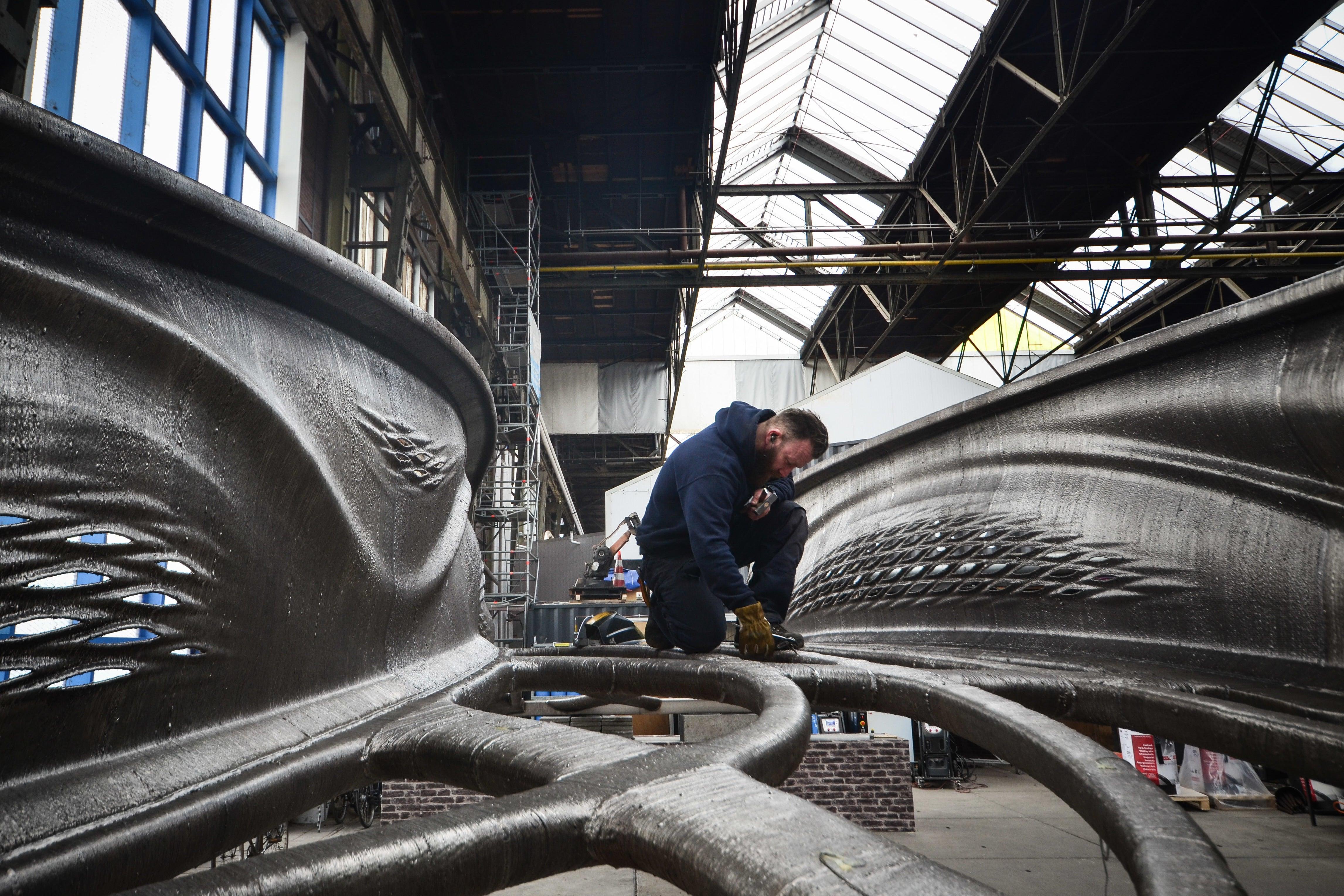 The First 3D-Printed Steel Bridge Looks Like It Broke Off An Alien Mothership