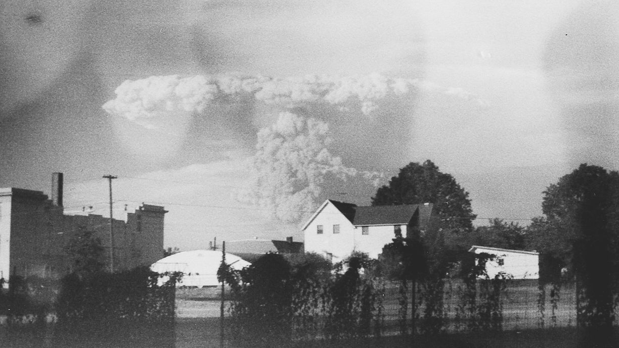 Unseen Photos Of Mount St Helens Eruption Uncovered From Forgotten Camera